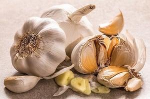 open cloves of garlic