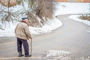 grandpa-winter-walking