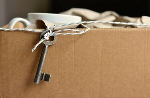 packing moving box and key